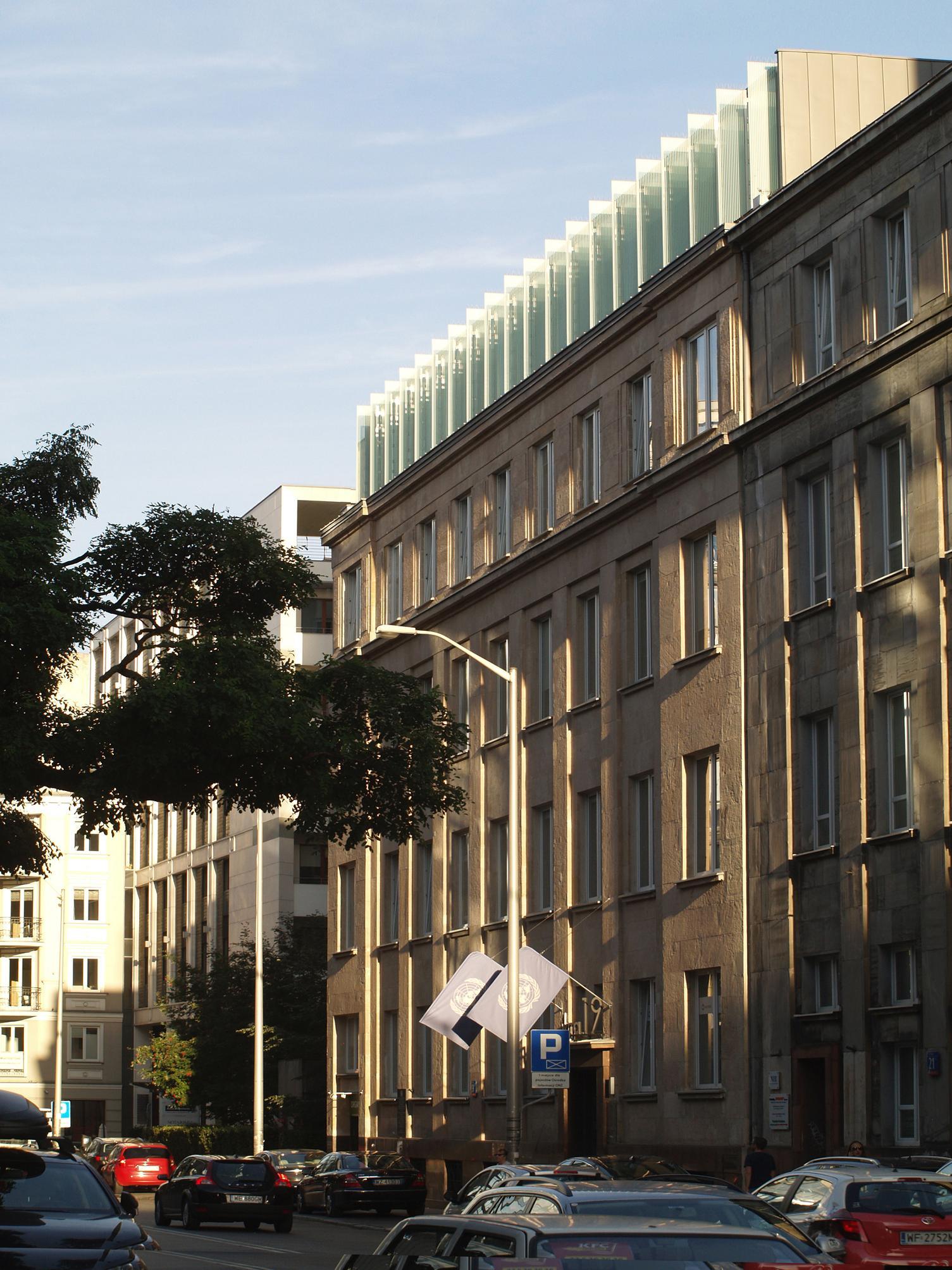 Biurowiec przy Pieknej19 w Warszawie